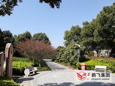 鹏飞文化广场